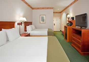Photo of Holiday Inn Express Hotel & Suites Batesville, an IHG Hotel