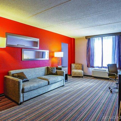 Photo of La Quinta Inn & Suites Runnemede - Philadelphia
