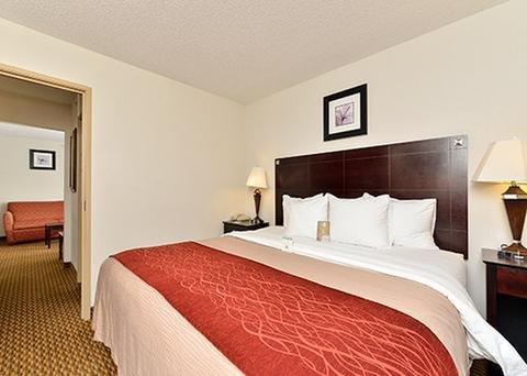 Photo of Comfort Inn & Suites Cambridge