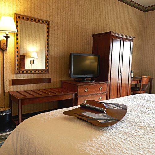 Photo of Hampton Inn & Suites Scottsburg