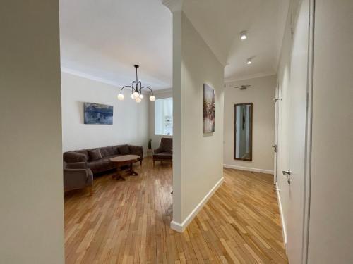 Shveli Apartment - фото 12