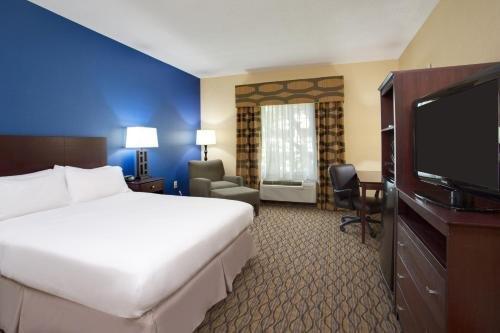 Photo of Holiday Inn Express Tower Center New Brunswick, an IHG Hotel