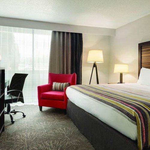 Photo of Country Inn & Suites by Radisson, Erlanger, KY - Cincinnati Airport