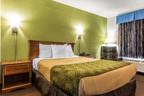 Photo of Econo Lodge Elizabeth City