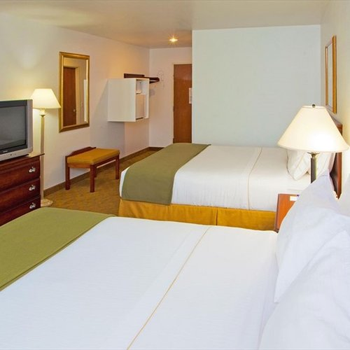 Photo of Holiday Inn Express Hotel & Suites Elkins