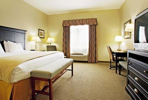 Photo of Holiday Inn Express Vernon College Area Highway 287