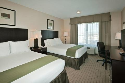 Photo of Holiday Inn Express Hotel & Suites Grants Milan