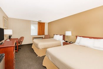 Photo of Days Inn by Wyndham West Des Moines