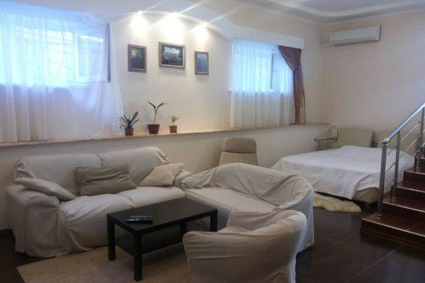 Apartments At Polevaya - фото 1