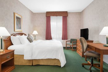 Photo of Days Inn & Suites by Wyndham Dumas