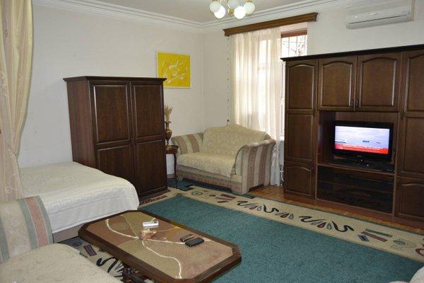 Saryan Street Studio Apartment - фото 26