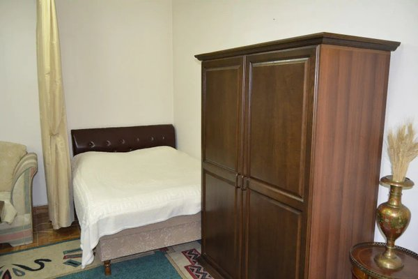 Saryan Street Studio Apartment - фото 2