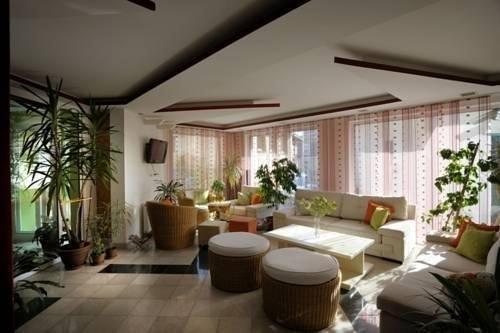 Hotel Hayat - фото 4