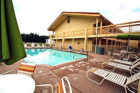 Photo of Motel 6-Dallas, TX - Farmers Branch