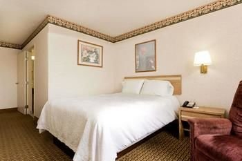 Photo of Red Roof Inn Franklin, KY