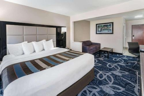 Photo of Comfort Inn & Suites Liverpool, NY