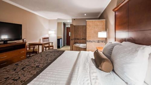 Photo of Best Western Plus Liverpool - Syracuse Inn & Suites
