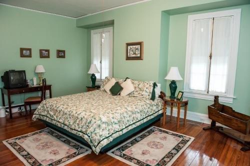 Photo of Cedars & Beeches Bed & Breakfast