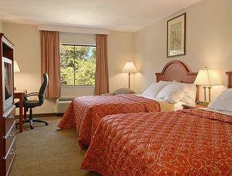 Photo of Days Inn & Suites by Wyndham Laurel Near Fort Meade