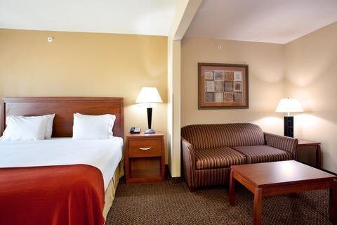 Photo of Holiday Inn Express Hotel & Suites Lewisburg, an IHG Hotel