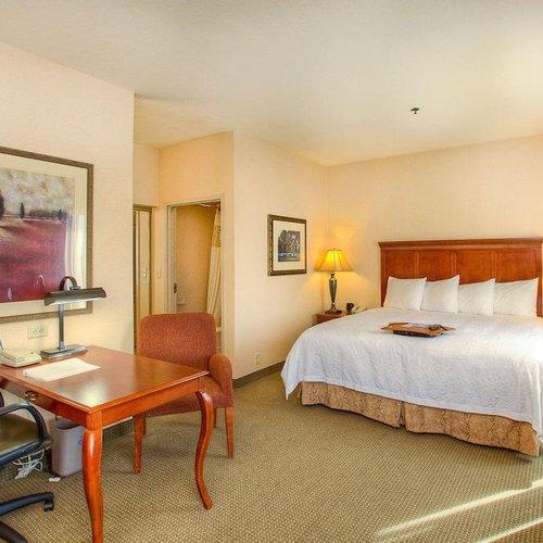 Photo of Hampton Inn & Suites Mountain Home