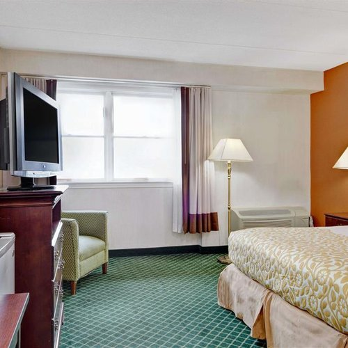 Photo of Days Hotel by Wyndham Methuen MA Conference Center