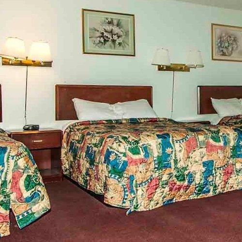 Photo of Oak Grove Inn