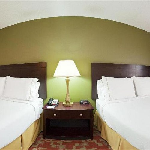 Photo of Holiday Inn Express Vincennes