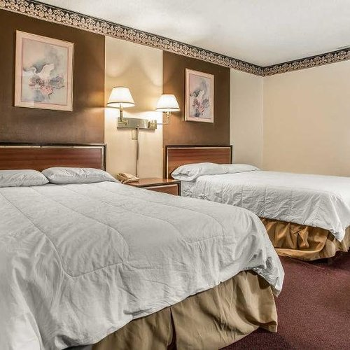 Photo of Countryside Inn & Suites
