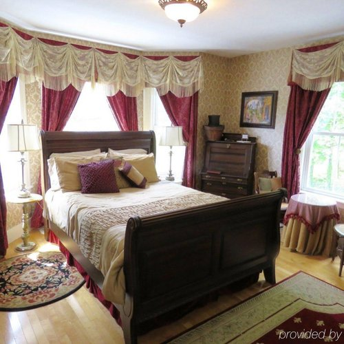 Photo of The Sleigh Maker Inn Bed and Breakfast