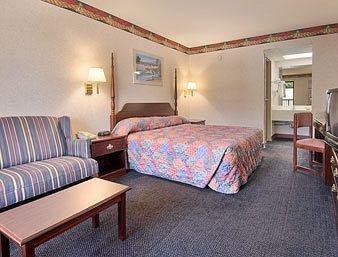 Photo of Days Inn by Wyndham Sanford