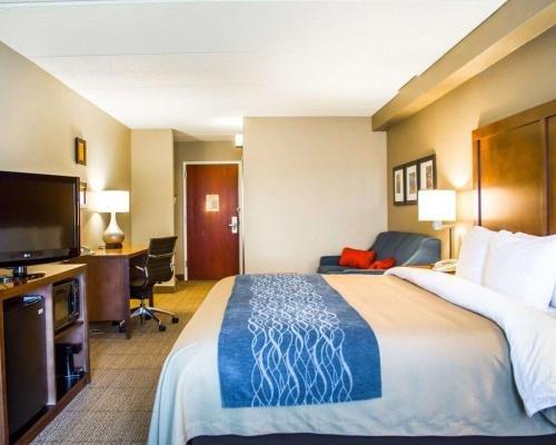 Photo of Comfort Inn & Suites Orlando North