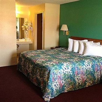 Photo of Super 7 Inn Siloam Springs