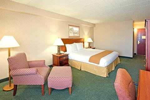 Photo of Holiday Inn Express and Suites Pittsburgh West Mifflin, an IHG Hotel
