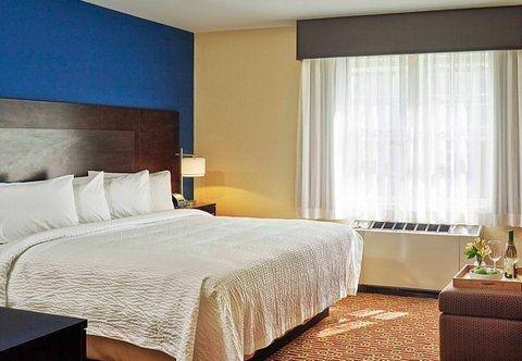 Photo of TownePlace Suites by Marriott Burlington Williston