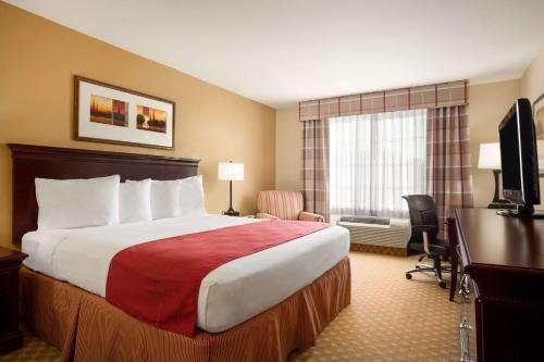 Photo of Country Inn & Suites by Radisson, Washington at Meadowlands, PA