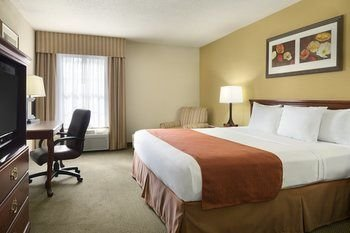 Photo of Country Inn & Suites by Radisson, Greenfield, IN