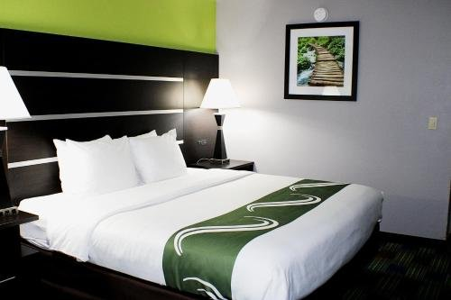 Photo of Quality Inn & Suites Bedford West
