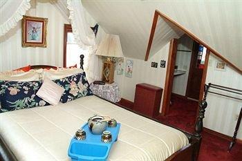 Photo of Gelinas Manor Victorian Bed & Breakfast