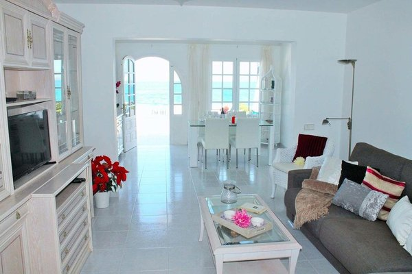 Villa Perseo Beachfront by Vacanzy Collection - фото 2