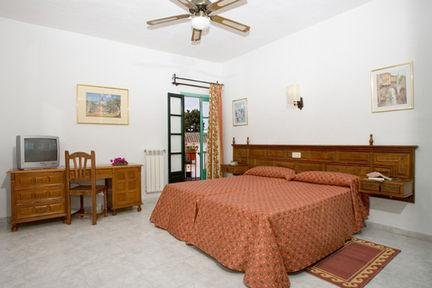 Photo of Holiday Inn Express and Suites Wheeling, an IHG Hotel
