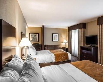 Photo of Comfort Suites Whitsett