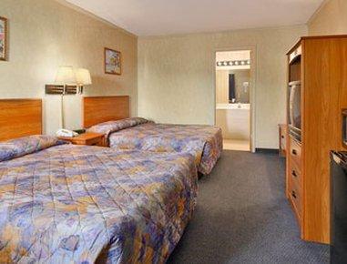 Super 8 Milford Hotel, Милфорд