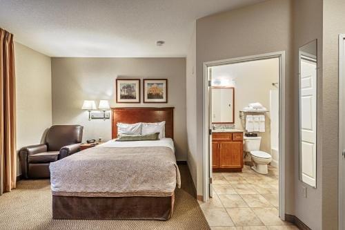 Photo of Candlewood Suites Burlington, an IHG Hotel