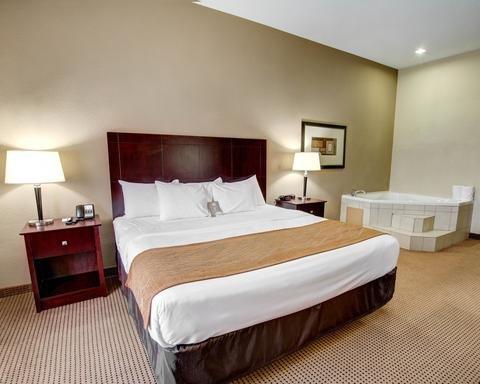 Photo of Comfort Inn & Suites Alvarado
