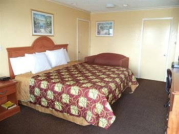 Photo of Americas Best Value Inn Buda
