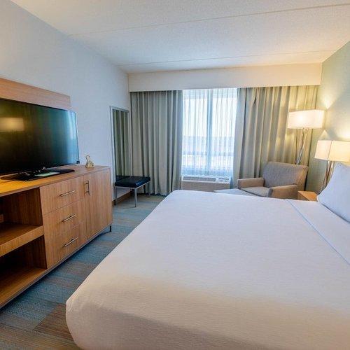 Photo of Holiday Inn Manahawkin/Long Beach Island, an IHG Hotel