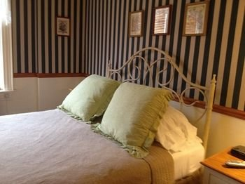 Photo of Red Lion Bed & Breakfast