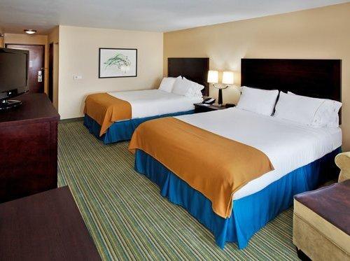 Photo of Holiday Inn Express- Waterloo/Cedar Falls, an IHG Hotel