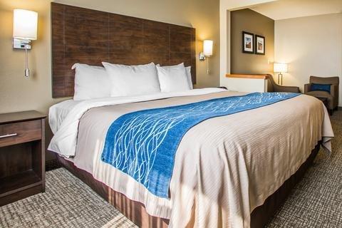Photo of Comfort Inn & Suites Waterloo – Cedar Falls